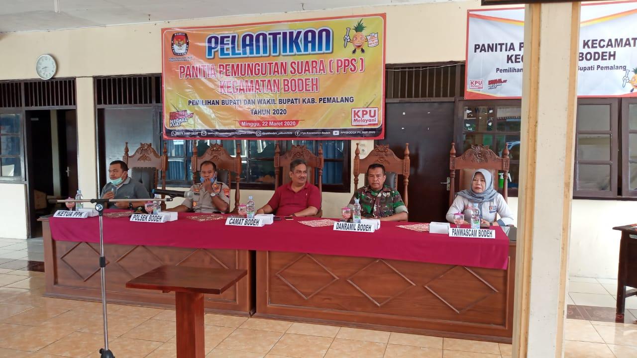 Pelantikan Panitia Pemungutan Suara (PPS) Kecamatan Bodeh dalam Pemilihan Bupati dan Wakil Bupati Pemalang Tahun 2020